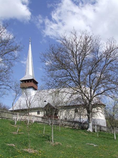 Biserica_din_Rastolt_comuna_Buciumi