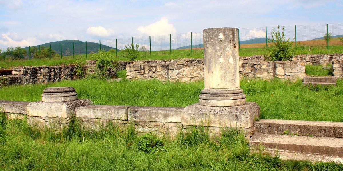 castru_roman_comuna_buciumi_obiectiv_turistic